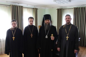 Миссионеры вместе с епископом Петропавловским и Камчатским Артемием