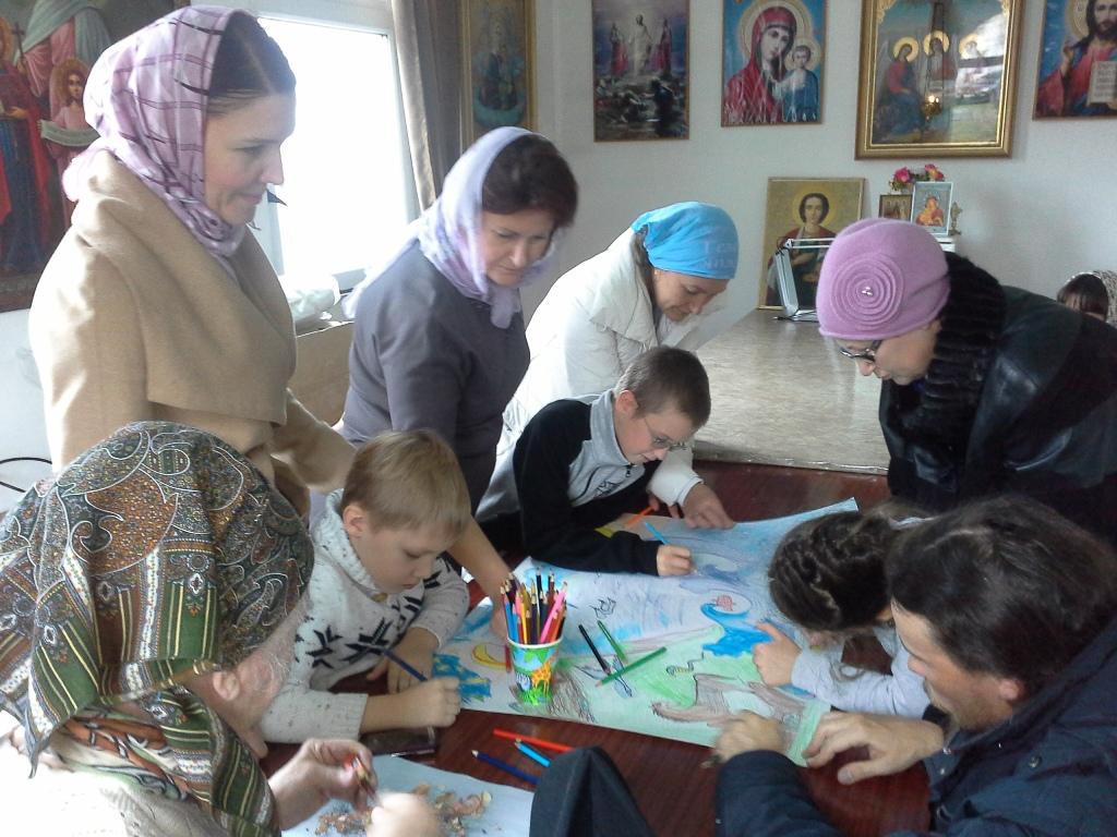 Начался новый учебный год в Воскресной школе при храме великомученика и целителя Пантелеимона.