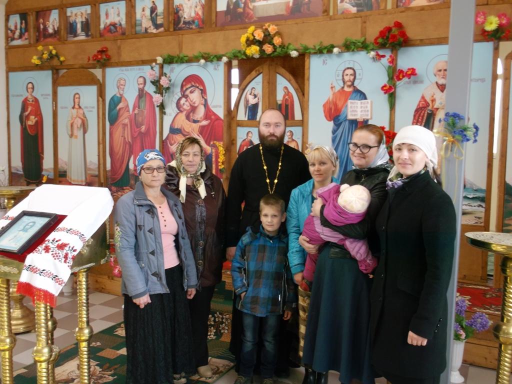 С прихожанами храма Николая Чудотворца села Устьевое