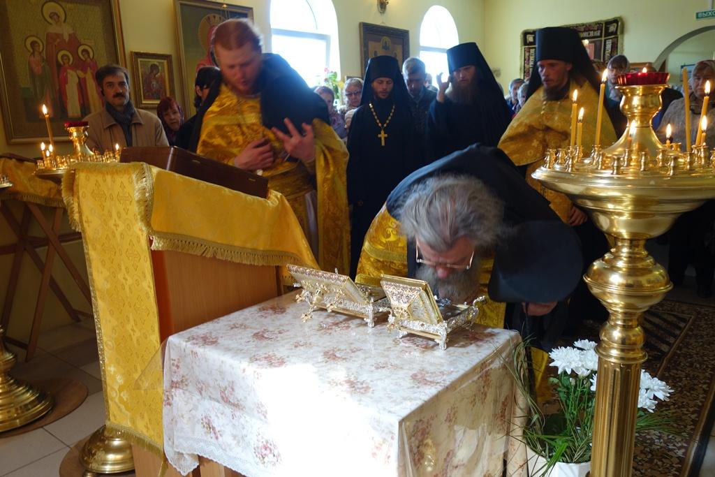 Встреча святых мощей великомучеников Варвары и Димитрия Солунского в монастыре, 8 июня 2015 года