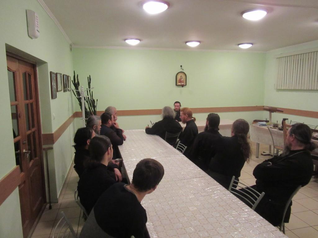 Игумен Камчатского Свято-Пантелеимонова монастыря епископ Феодор провел беседу с братией монастыря