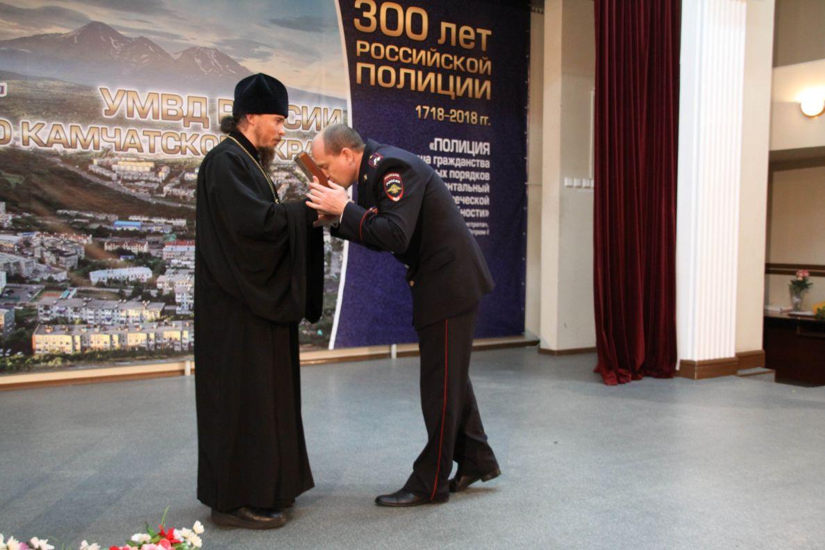 Икона передана в дар УМВД России