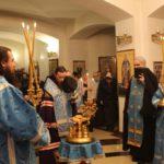 В канун праздника Благовещения управляющий Камчатской епархией совершил всенощное бдение в Морском соборе