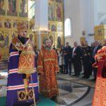 Архиепископ Феодор совершил пасхальный молебен в верхнем храме кафедрального собора