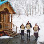Прихожане храма «Живоносный источник» совершили автомобильный Крестный ход с молитвой и иконами